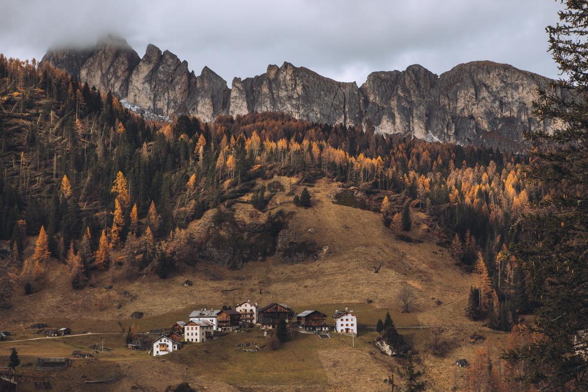 Foto - Hegyi falu - Kovács Krisztián